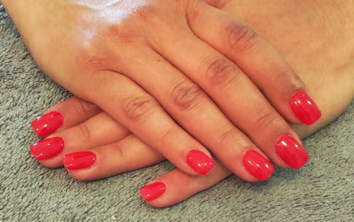 Ongles gel rouge